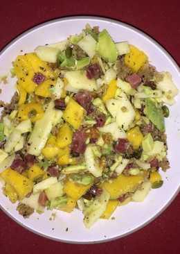 Ensalada mango, aguacate y Quinoa