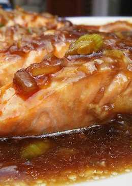 Salmón en salsa de ostras
