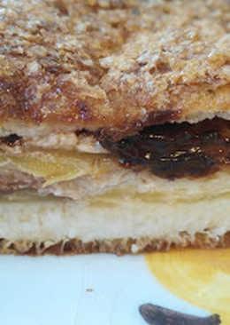 Bizcocho de torrija relleno de manzana y chocolate