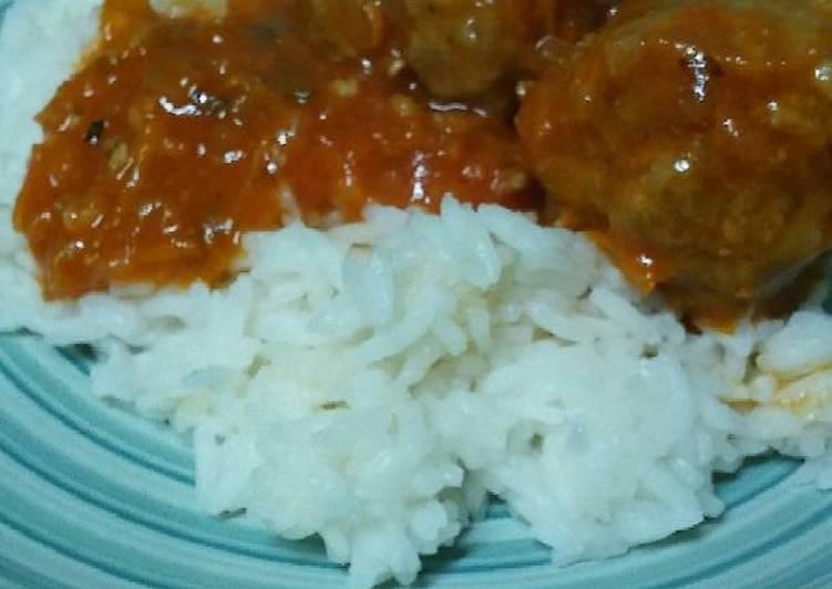 Albóndigas con arroz