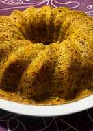 Bizcocho de zanahorias, avellanas y galletas de chocolate al microondas