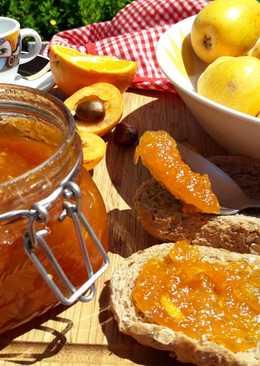 Mermelada de nísperos con un toque de canela y naranja