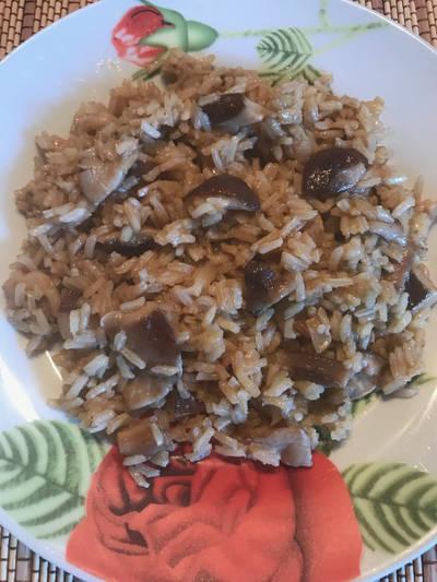 Arroz frito con shiitake y jengibre