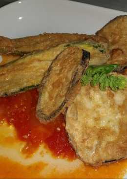 Berenjenas Rebozadas con Tomate frito casero