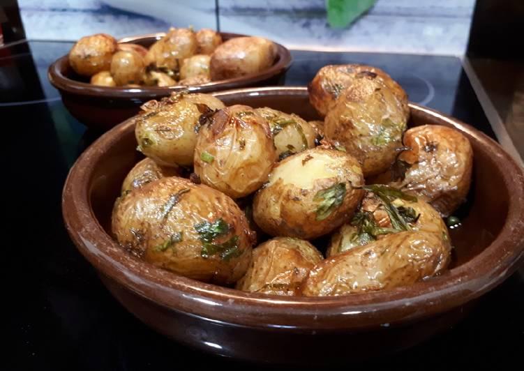 Patatas nuevas al horno