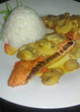 Salm n con salsa de naranja 25 recetas caseras cookpad - Salmon con champinones ...