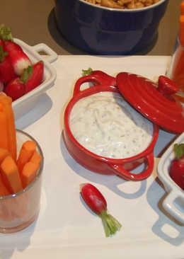 Crema suave de queso con zanahorias y rabanitos
