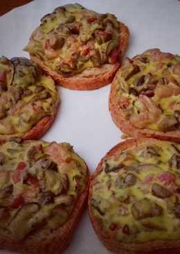 Tostas de setas y bacon gratinadas con alioli