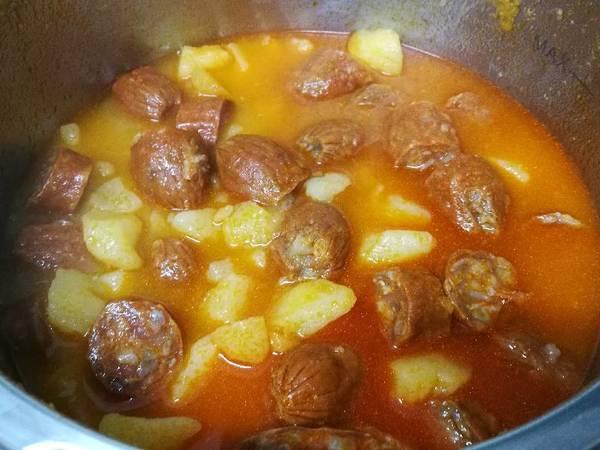 Patatas a la riojana en olla rápida