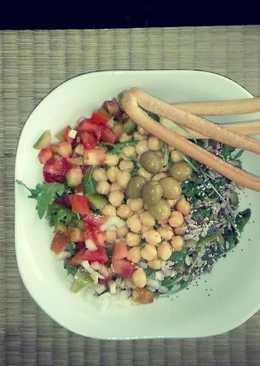 Ensalada de garbanzos & semillas & rúcula