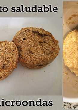 Pan en taza de avena y harina integral al microondas sin huevo