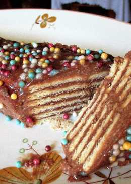 Tarta de galletas bañadascon pudín al caramelo ychocolate de avellanas