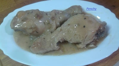 Pollo al vino con crema de champiñones