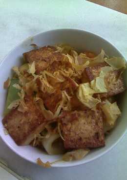 Tofu con verduras y arroz al estilo japonés