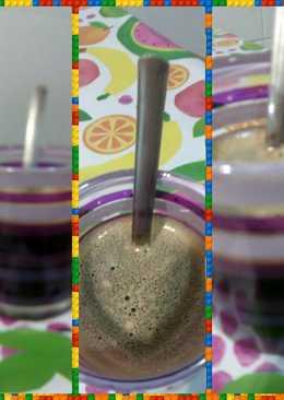 Café al aroma de jengibre con gotas de orujo