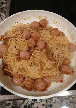 Espaguetis con albóndigas a la miel y mostaza