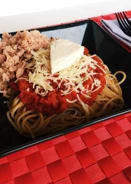 Pasta integral con atún y tomate