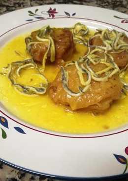 Patatas a la importancia con salmón y gulas
