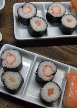 Futomakis de surimi y de salmón