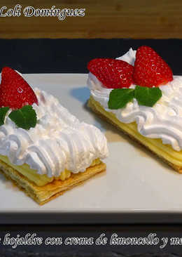 Pastelitos de hojaldre con crema de limoncello y merengue italiano