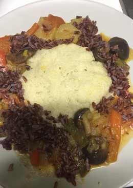 Verduras con arroz rojo y couscous