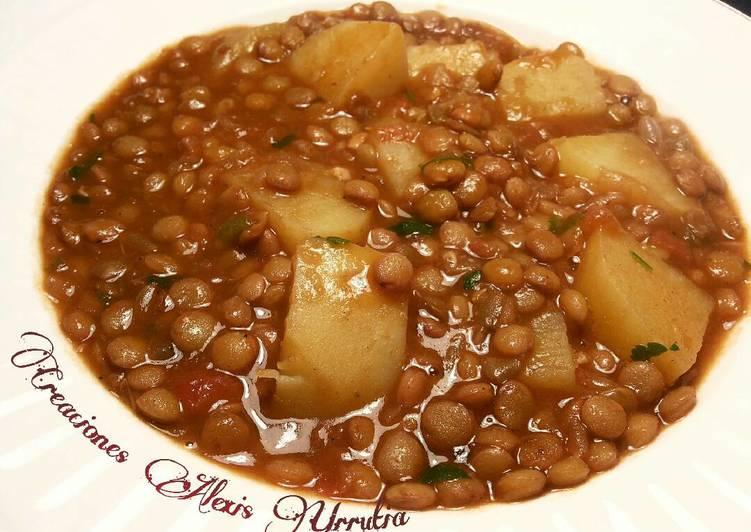 Lentejas castellanas con tomates y patatas receta de - Lentejas con costillas y patatas ...