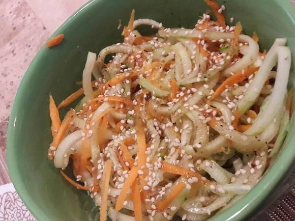 Ensalada de pepino y zanahoria