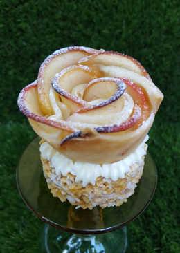 Rosas de manzana sobre crujiente de Avellanas y Toffe