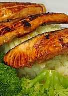 Escalopines de salmón marinados en soja, naranja y miel