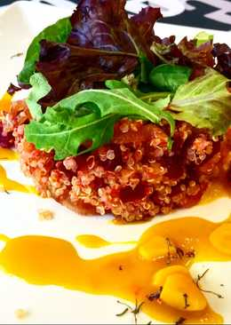 Timbal de quinoa, remolacha y cebolla caramelizada 🍲🍲🍲