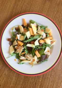 Ensalada ligera de frutos secos, manzana y queso