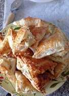 Hojaldres de queso de cabra y nueces