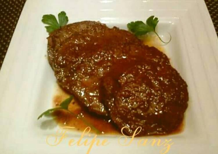 Redondo de ternera relleno con pasas y pi ones en salsa - Redondo relleno de ternera al horno ...