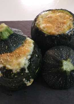 Calabacines rellenos vegetarianos