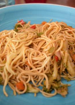 Fideos chinos con brócoli