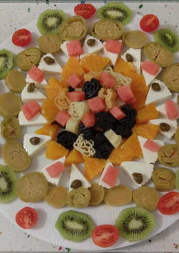 Ensalada de pasta y frutas
