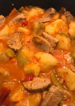 Guiso carne de cerdo y patatas