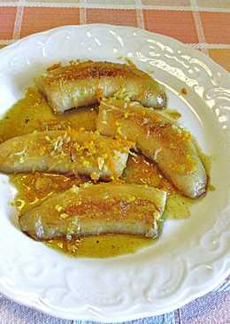 Plátanos bañados en sirope de naranja