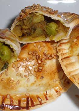 Samosas, empanadillas indias (una variación)