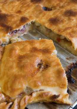 Empanada rápida de zamburiñas y cerezas pasas