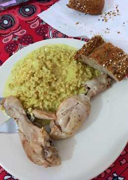 Arroz integral al curry con jamoncitos de pollo