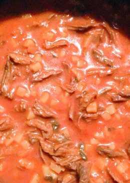 Carne deshebrada con verduritas
