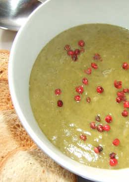 Crema-sopa de grelos y garbanzos