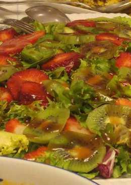 Ensalada con fresas y kiwi