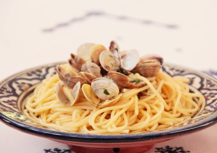 Spaghetti alle vongole o espaguetis con almejas receta de - Espaguetis con almejas ...