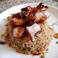 Cuenco de Quinoa con Pulpo, Hortalizas y Alcachofa