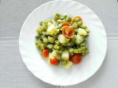 Ensalada de habichuela, papa y tomate