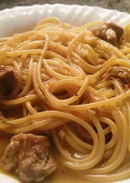 Spaguettis caldosos con carne magra