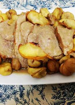 Carne de cerdo con castañas en salsa de manzana