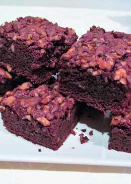 Brownie de chocolate con crujiente de nueces